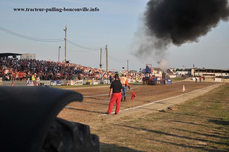 Photo de l'épreuve 2011 du tracteur pulling à Bouconville
